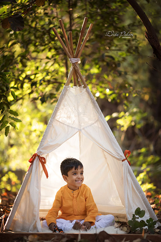4 year old boy in teepee