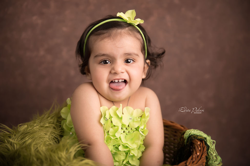 Beautiful 1 year old baby girl pictures | Edita photography