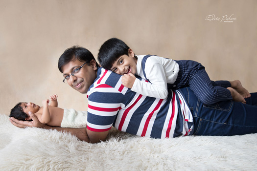 Family and newborn picture Pune