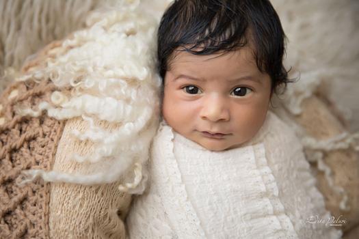 newborn photoshoot Pune