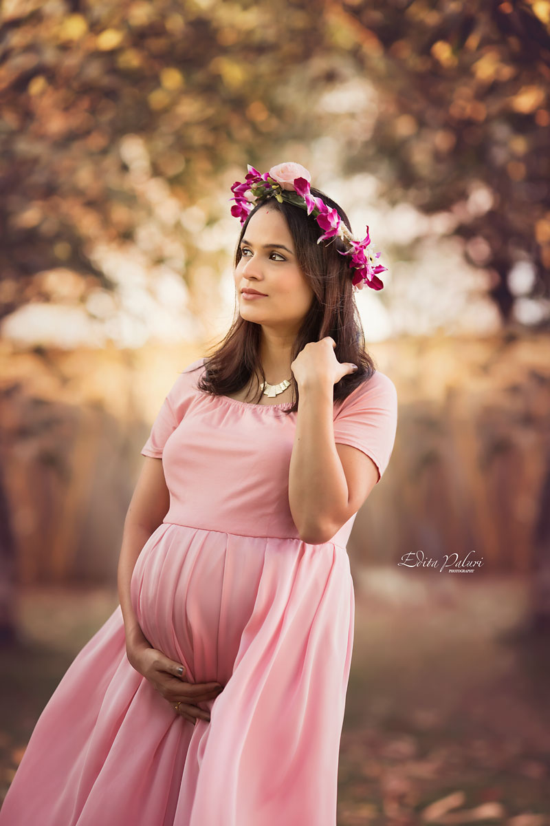 Indian pregnancy photo shoot in Pune
