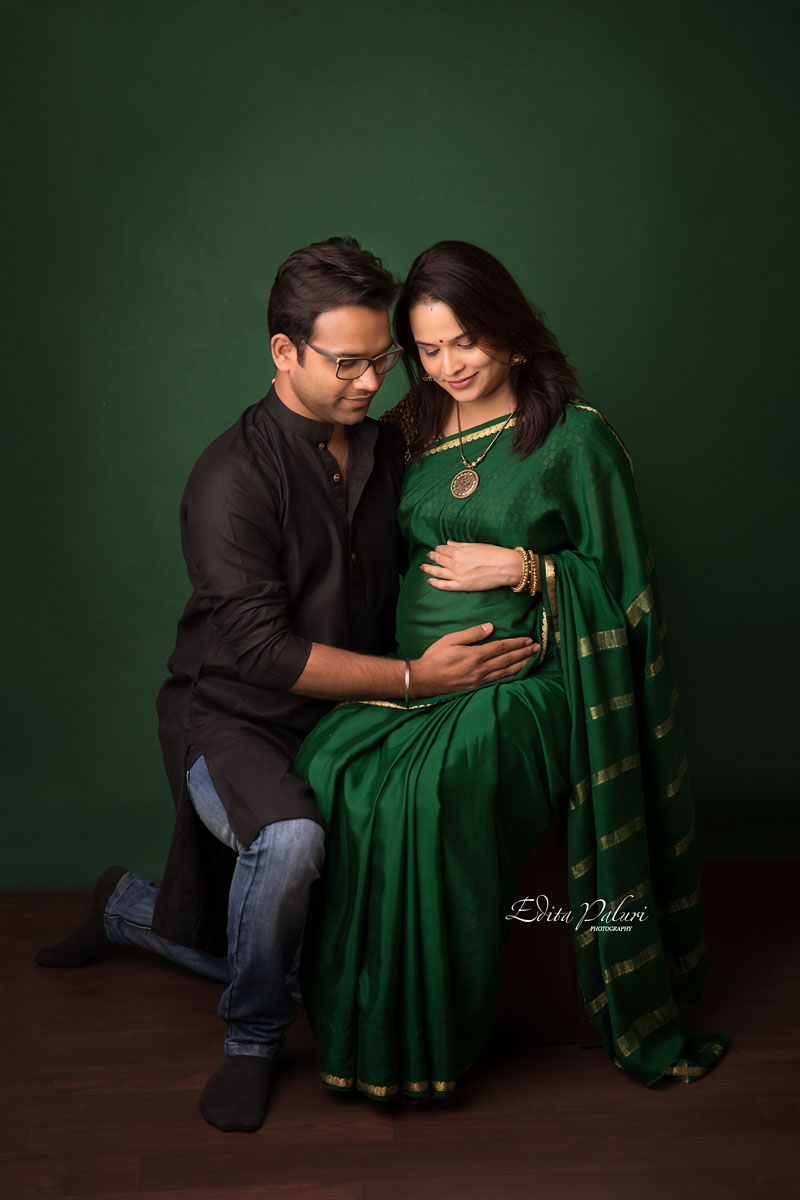 maternity photo shoot in indian attire