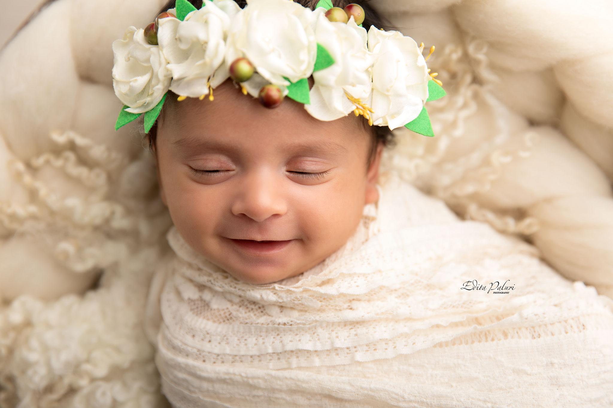Best newborn photographers Pune