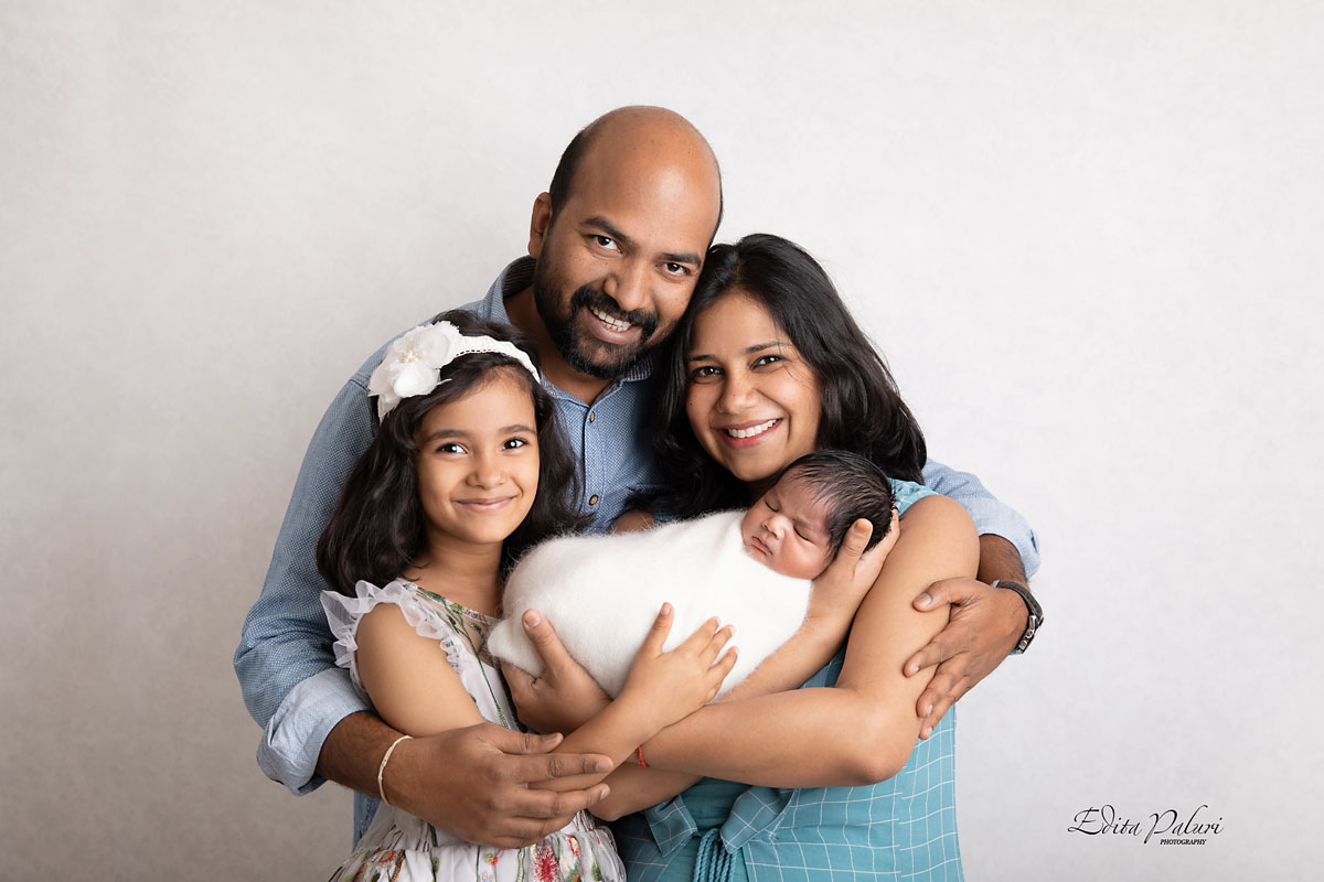 Professional newborn photographer Pune