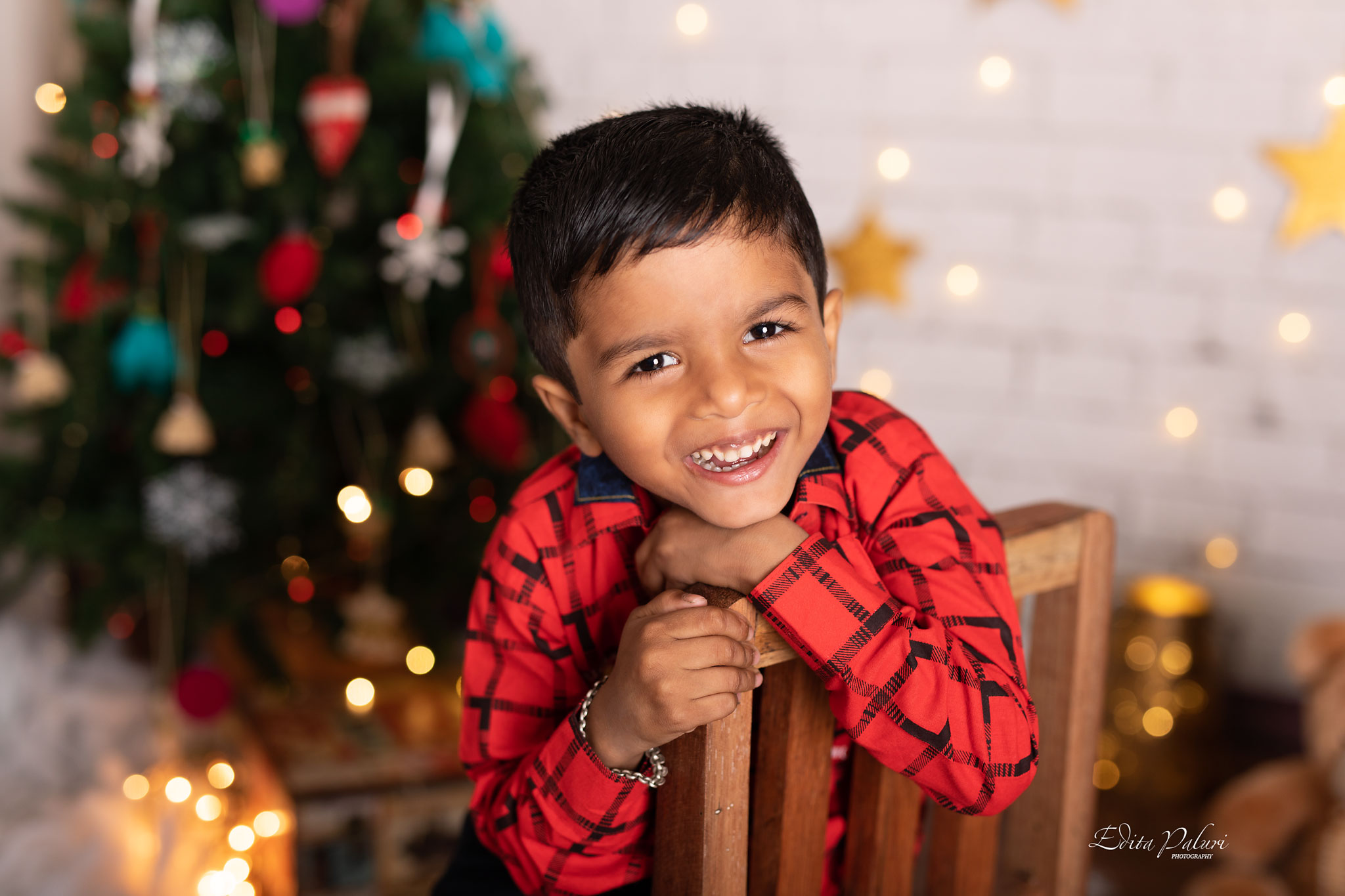 r photo shoot Christmas PuneChildren