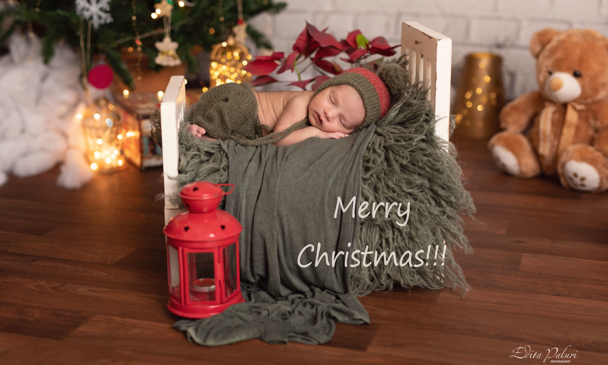 newborn photo shoot Christmas Pune