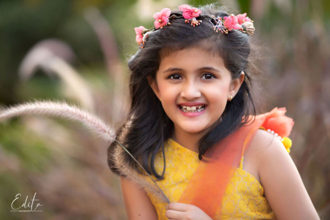Smiling girl outdoor photography in Pune