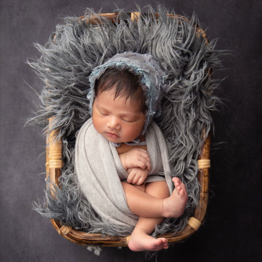 Photography pricing & packages8 days newborn baby girl photo shoot in Pune