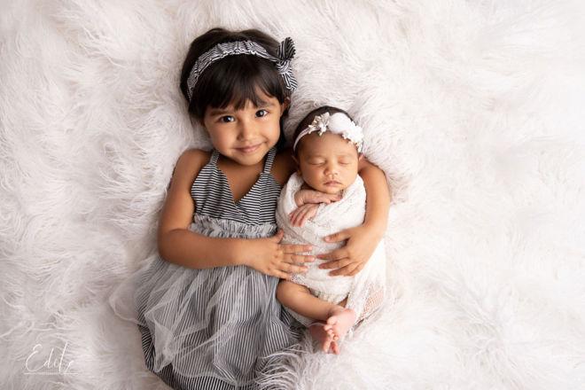Siblings photo shoot newborn sister and big sister in Pune