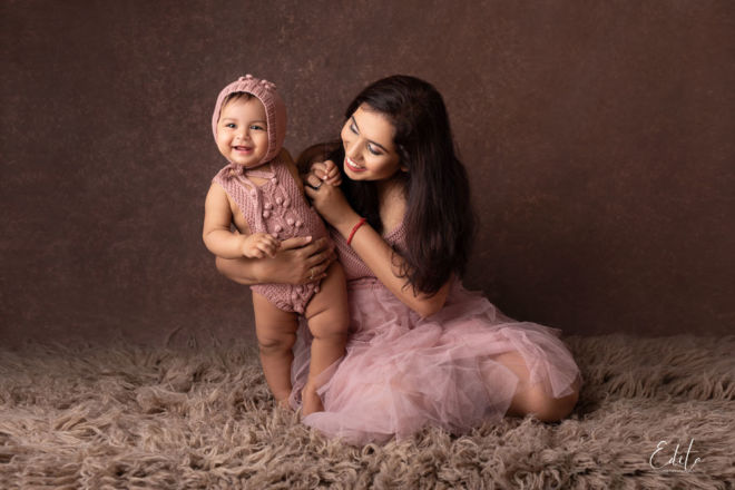 Indian Baby girl in pink knitted romper and mom photo shoot in Pune