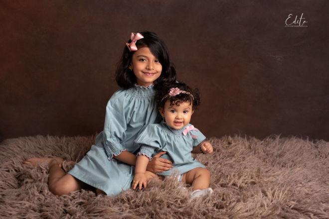 2 sisters photoshoot portfolio in Pune