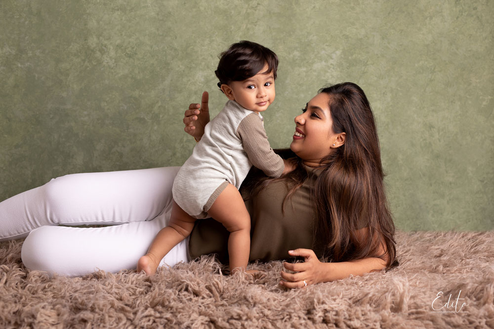 Mom with her 1 year old son at photo studio in Pune