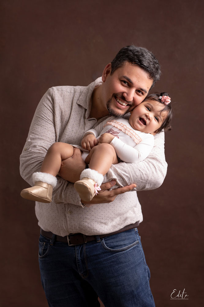 Father and 1 year old daughter photo shoot in India
