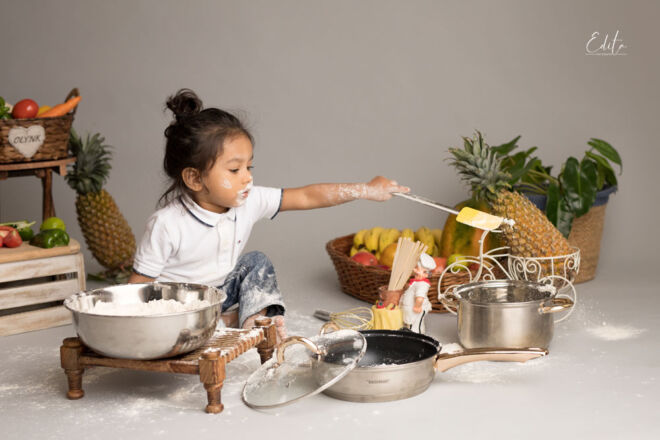 Toddler chef cook photos in Pune