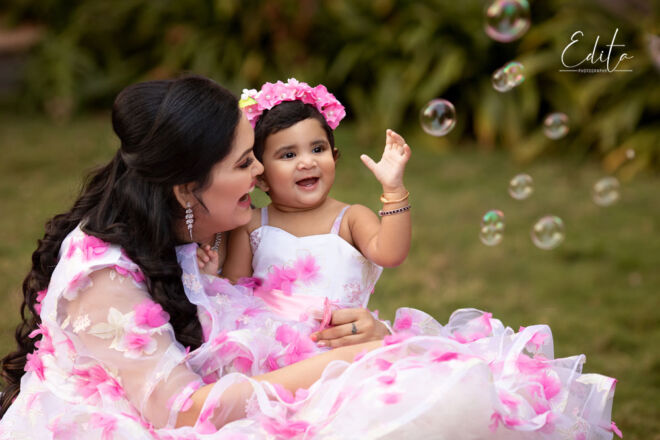 Indian_mom_daughter_matching_dresses_Pune_Edita_photography_02