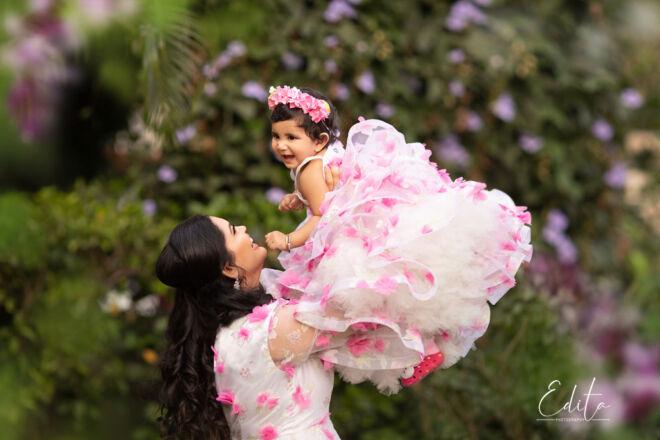 Indian_mom_daughter_matching_dresses_Pune_Edita_photography_04